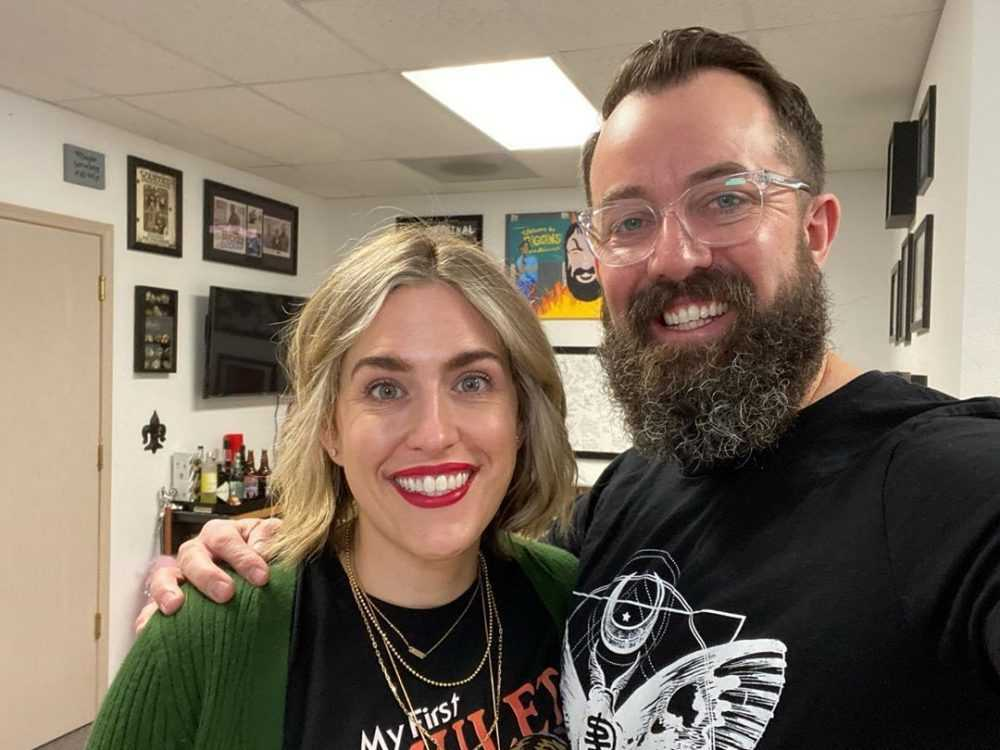 Image of Dan Cummins and his wife, Lynze Radzyminski