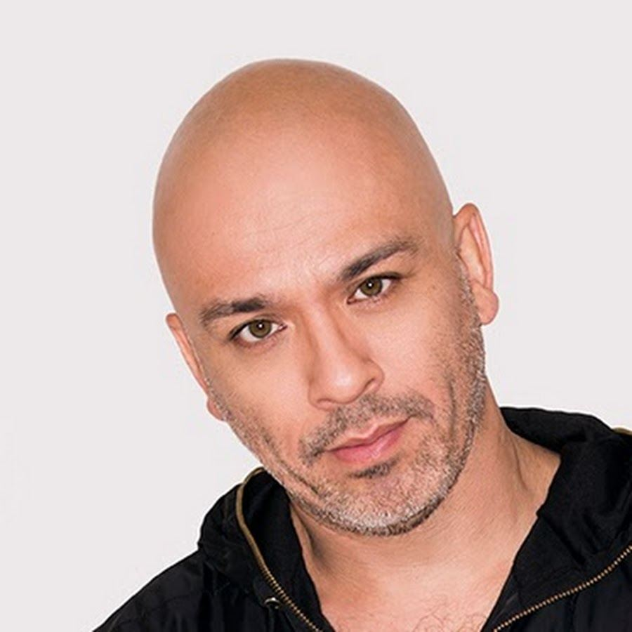 Image of renowned stand-up comedian, Jo Koy